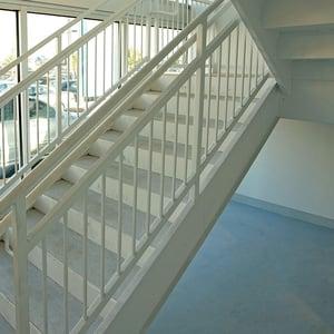Steel stair stringer